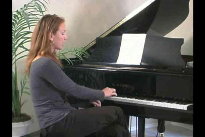 Cómo Utilizar un Piano para los Ejercicios Vocales