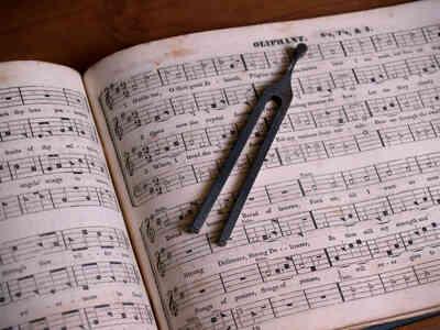 Cómo Encontrar una Canción por el Ritmo