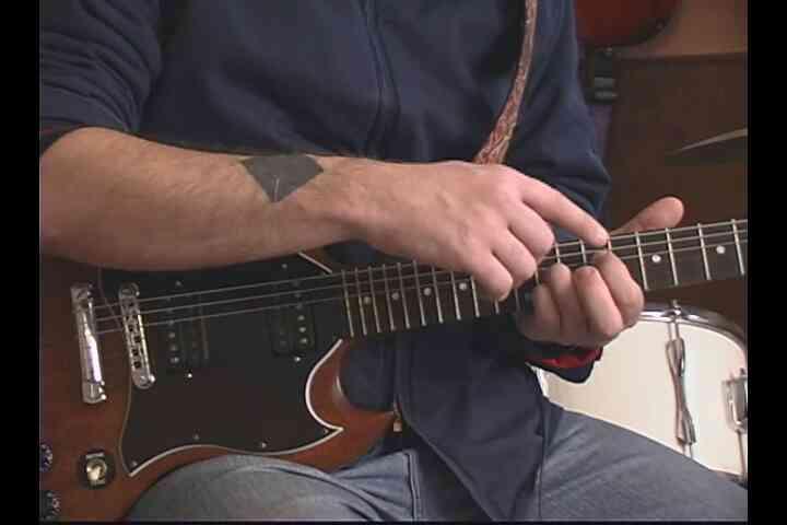 """Cómo Jugar a """"¿Cuál es Mi Edad?"""" de Nuevo en la Guitarra"""