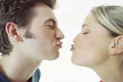 La hoja de la lata de Hershey Kiss Artesanías
