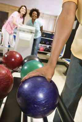 La pendiente adecuada para el Agujero del Pulgar en una Bola de Bolos