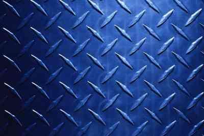 Cómo Hacer que el Acero Inoxidable Azul