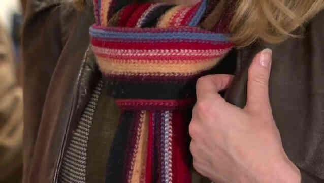 Cómo Atar un Invierno Bufanda de Moda