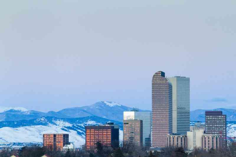 Cómo Vestirse para Colorado Clima de Invierno