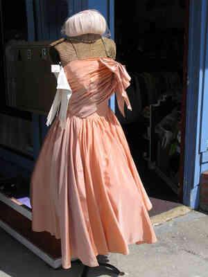 Los vestidos Que las Mujeres Usaban en 1952