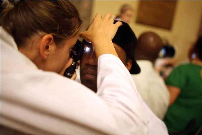 Cómo Tratar el Glaucoma de forma Natural
