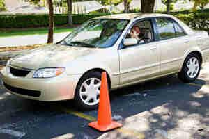 Aparcar en paralelo: las instrucciones de conducción