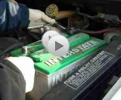 Cambiar la batería de un coche: coche consejos de mantenimiento