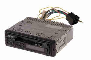 Quitar el estéreo de automóvil: sistemas de altavoces y arnés de cableado
