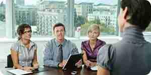 Responder de los recursos humanos de la entrevista de trabajo preguntas