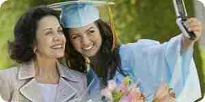 Tomar fotos en una ceremonia de graduación