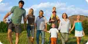 Juegos para jugar en las reuniones de la familia: la familia de los juegos de la fiesta