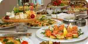 La elección de una recepción de boda menú: comida ideas y sugerencias