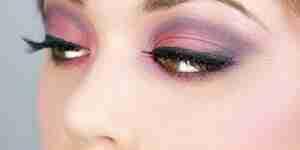 Aplicar ahumados maquillaje de ojos: obtener el look de ojos ahumados