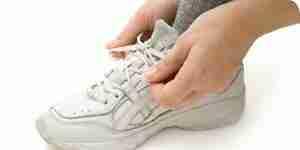 Atarse los zapatos