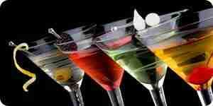 Hacer cócteles: mezcla alcohólica partido bebidas