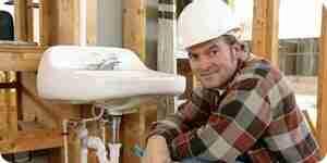 Cortar un agujero en un fregadero de la cocina: instalación de fontanería