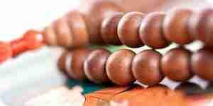 Hacer oración Budista perlas