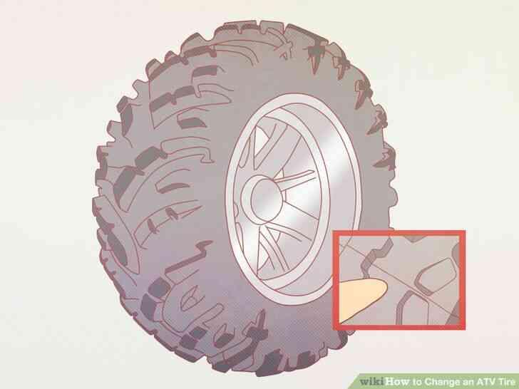 Imagen titulada Cambiar un Neumático de ATV Paso 2