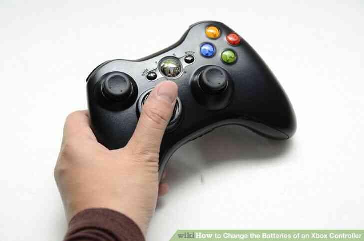 Imagen titulada Cambiar las Baterías de un Controlador de Xbox Paso 6