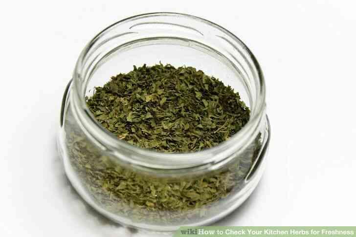 Imagen titulada Revise su cocina hierbas para la frescura Paso 3