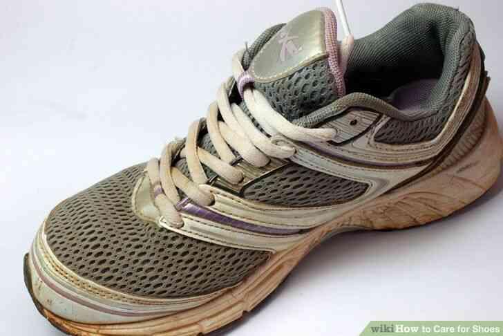 Imagen titulada Cuidado de Zapatos a Paso 9